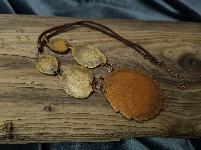 N081 Unique ladies necklace made of genuine leather Leather leaves