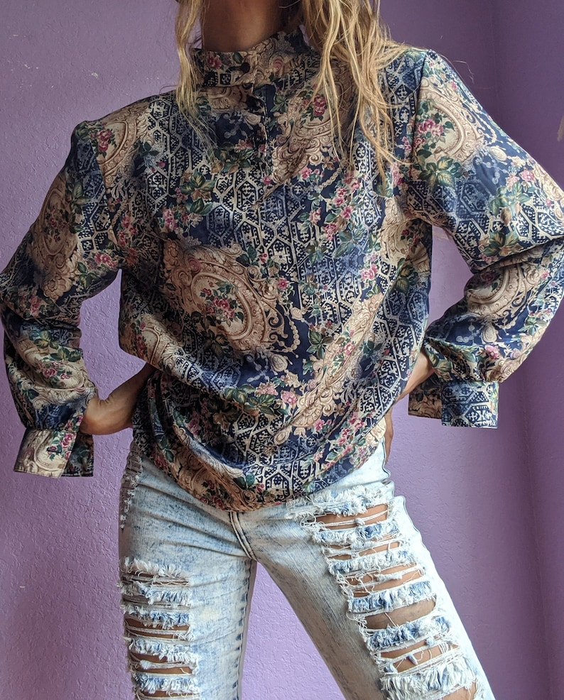 Andre/' Savage 80s royal floral vintage blouse small