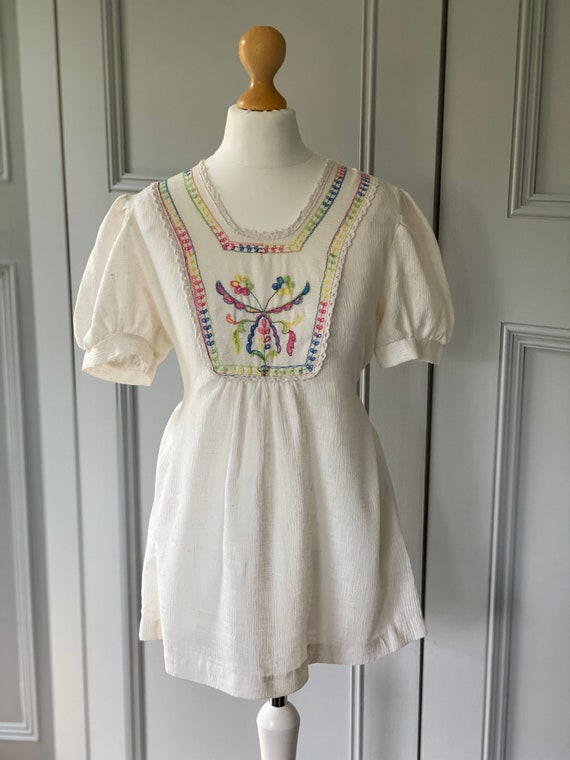 Vintage 70s embroidered Hungarian style cheeseclot