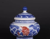 Chinese antique porcelain lidded jar,Qing Dynasty imperial porccelain Kangxi blue and white underglaze red hand painted porcelain tea jar