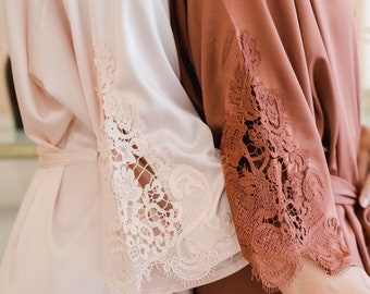 Classy Lace Bridesmaid Robe| Lace Trim | Bridesmaid Proposal | Wedding Party Gift | Customized Robes