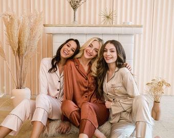 Bridesmaid Pajamas - Bridal Party Gift - Bridesmaid Gifts - Long Pant Sleeve Set - Bachelorette Party - Personalized Gift
