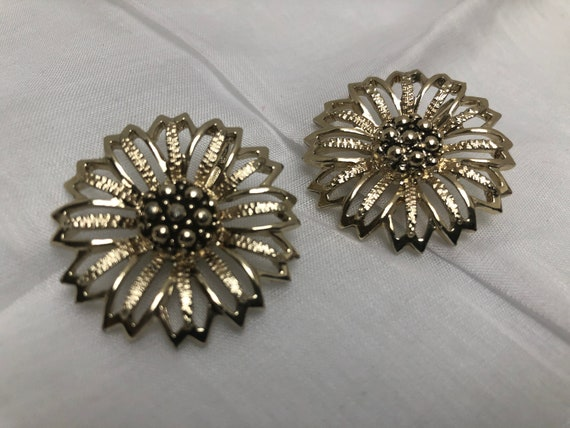 Sarah Coventry Daisy Mae Earrings 1960s Clip On Vintage Signed