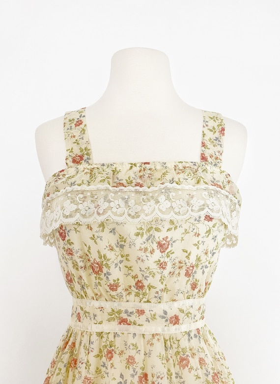 GUNNE SAX | 1970s Ruffle Floral Dress - image 4