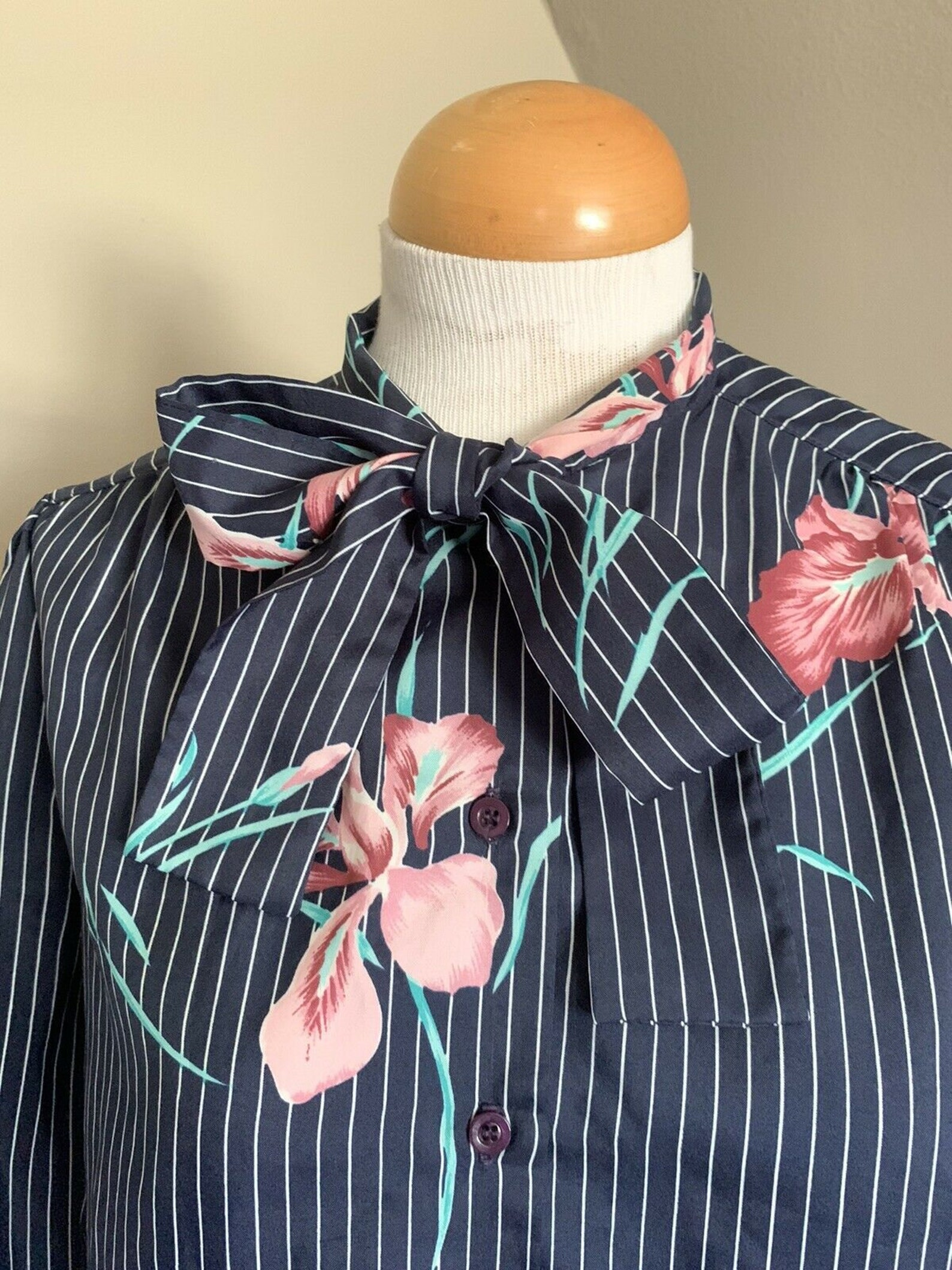 Stripe Floral Top Pussy Bow Tie-Neck Balloon Sleeve Blouse