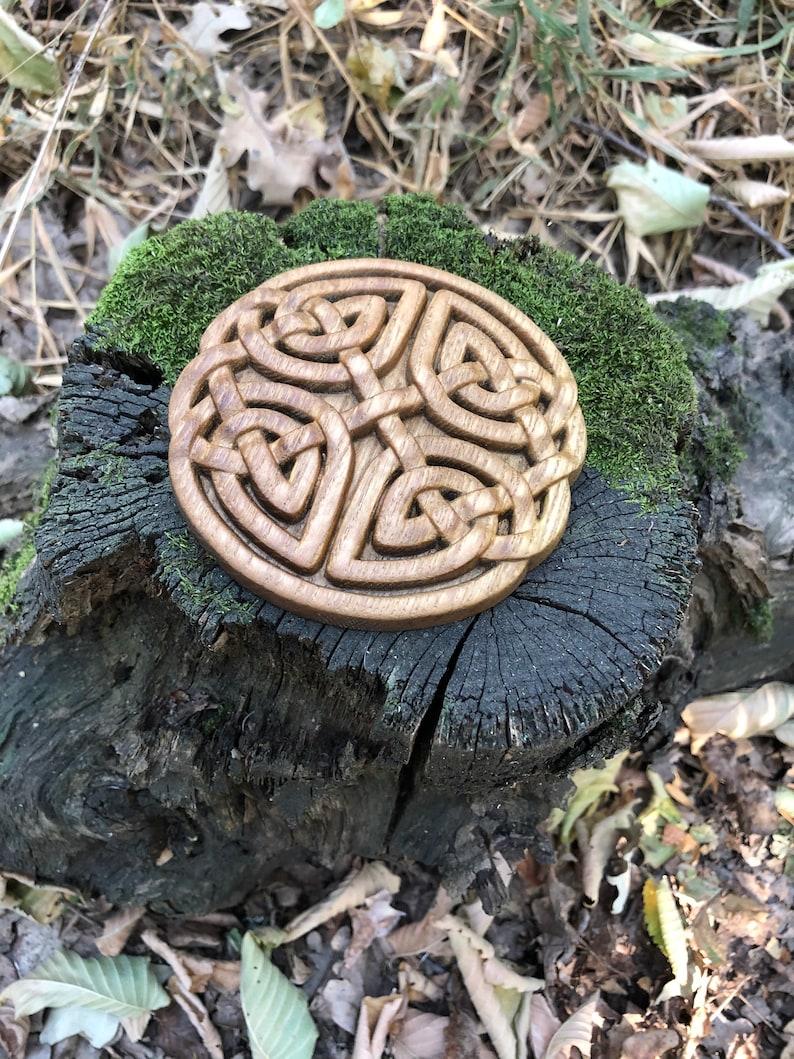 Wood carved knot Celtic carved Wooden celtic knot Natural wood
