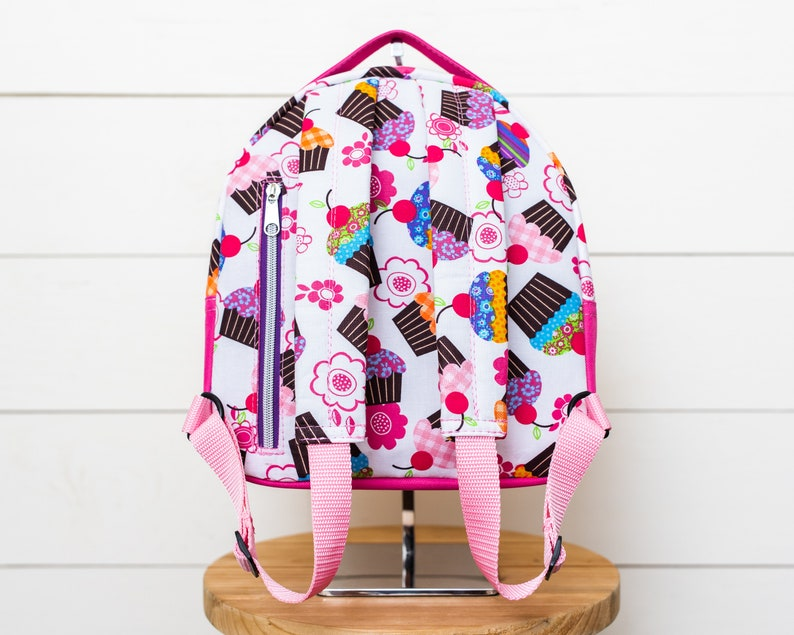 Everyday Storage for Kids Essentials Outdoor Waterproof Travel Pack Kids Small Waterproof Canvas Backpack with Colorful Cupcakes