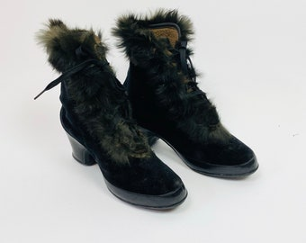 TRUE VINTAGE 1940s WWII Overshoes Black Velveteen Fur Trimmed Winter Snow/Rain Boots Size 7