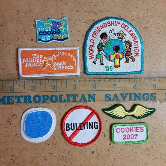 with 21 Brownie Badges Vintage Brownie Girls Scout Sash with Many Patches Badges Brownie Sprite Patches NJ Great Condition 1970s