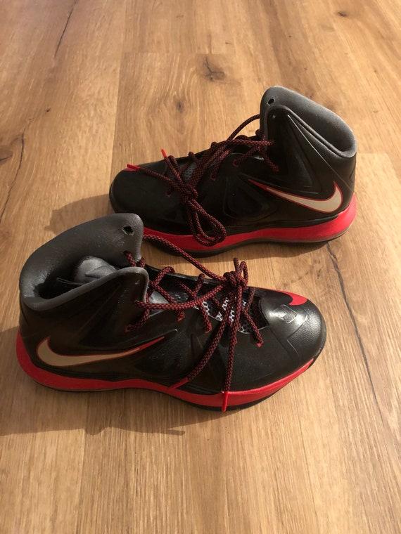 Nike Lebron James 10 Pressure Size 5.5