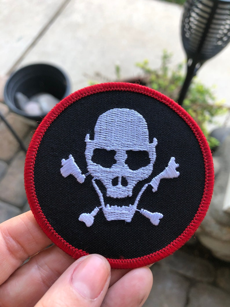 Skeleton head patch