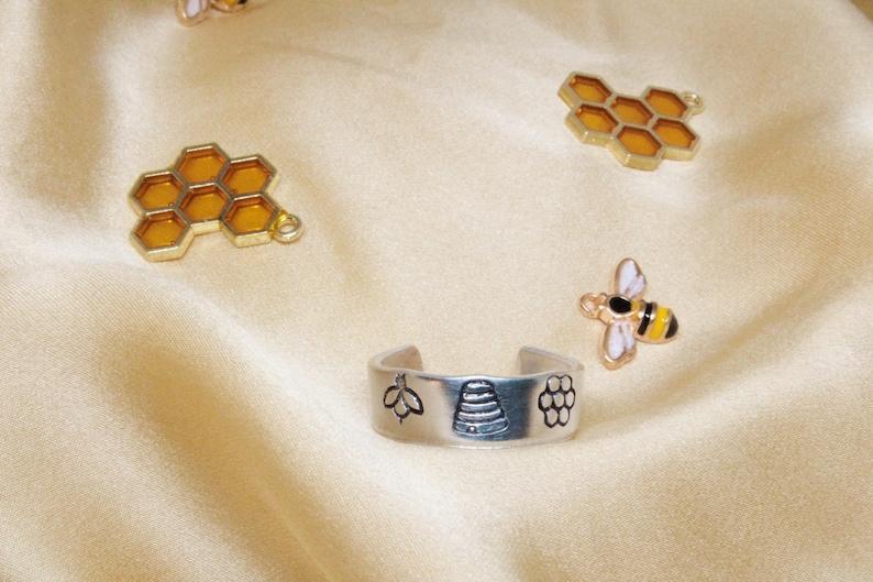 hand stamped honeybee ring