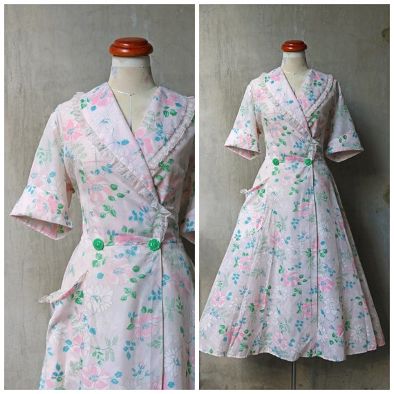 30s 40s floral silky dressing gown robe/ flowering