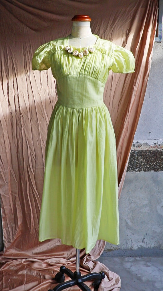 30s 40s 50s lime cotton dress with puff sleeves - image 2