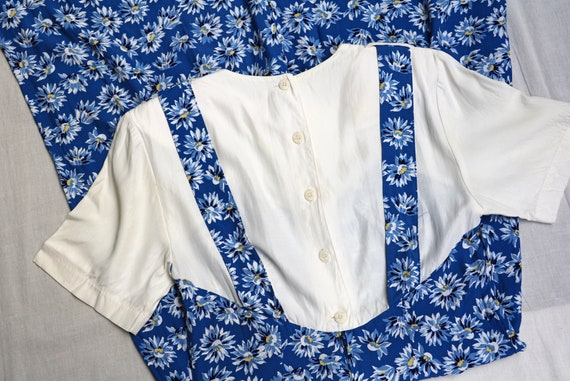 80s does 40s royal blue navy floral daisy novelty