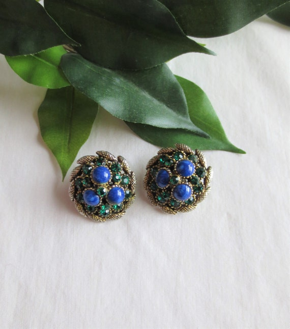 Vintage Signed HAR Rhinestone Clip On Earring
