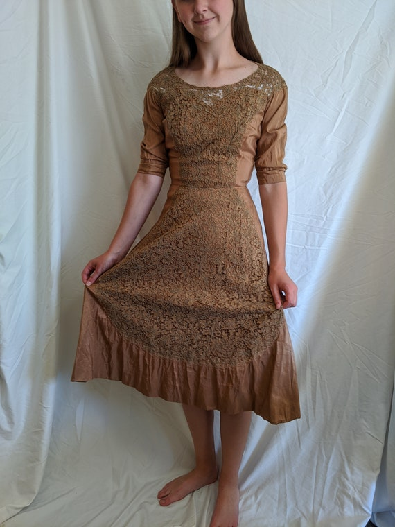 Vintage 1940s brown flare taffeta dress with lace