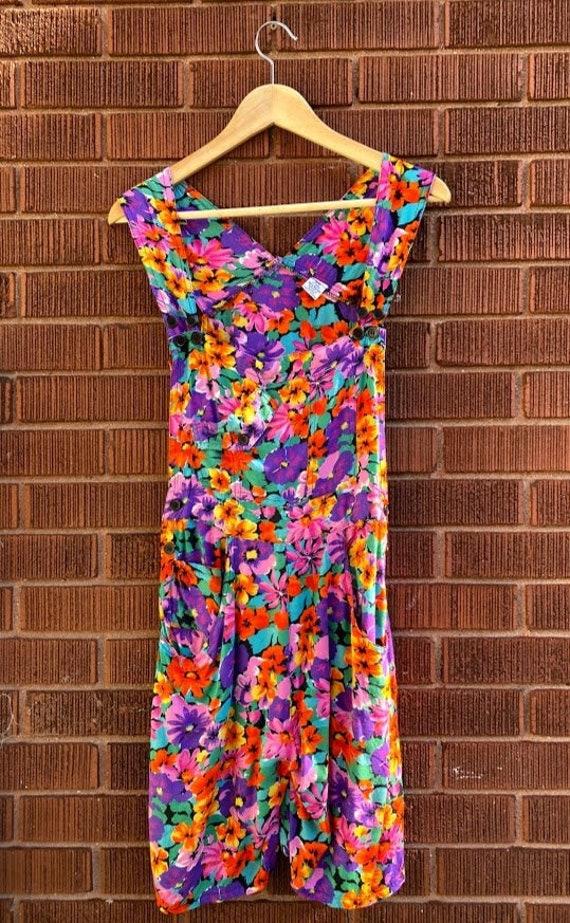 Vintage 80s 90s Bright Floral Print Rayon Short Ov
