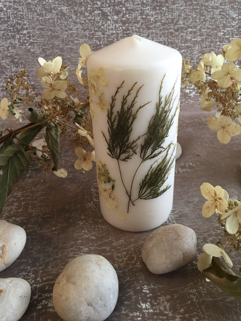 Medium Floral Candle in White and Green