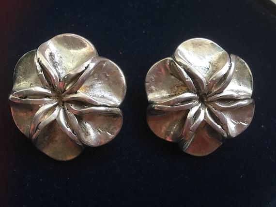 French designer clip-on earrings | ALTERNANCES, PA