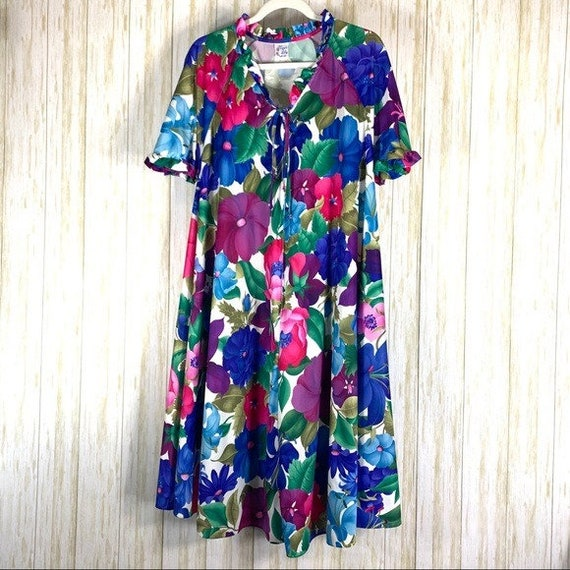 Tiger Lily Vintage bold floral mumu nightgown