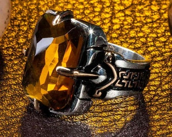 Size 8 Goldtone Metal Cased Faceted Amber Rhinestone Floral Fashion Ring with Wide Band