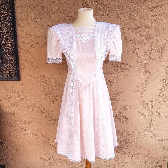 Gunne Sax - Vintage Pale Peach Floral & Lace Dress