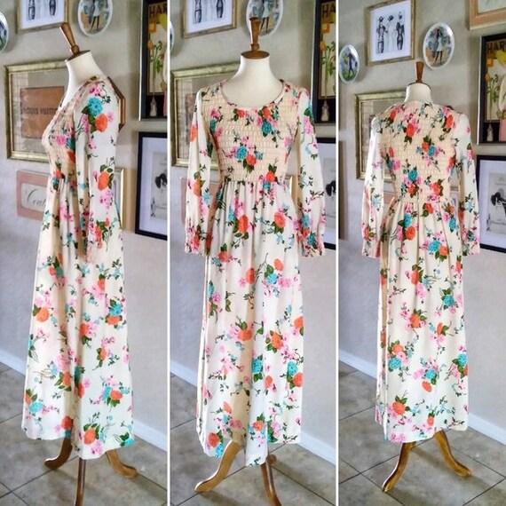 Vintage - 1970's Peasant Floral Maxi Dress