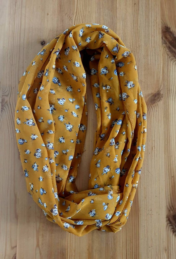 Mustard Blue Rose Snood