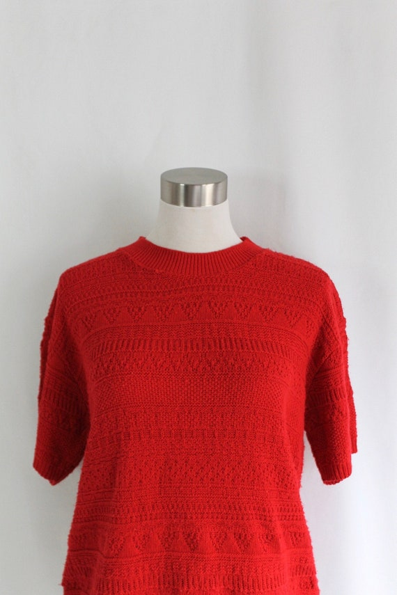 Red Short Sleeve Sweater - Size L