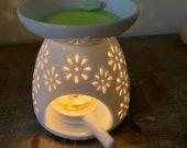 Tea Light Wax Warmer Ceramic Candle Wax Melt Non-Electric Hollow Design Tart Warmer Oil Burner Essential Oil Lamp Diffuser Gift