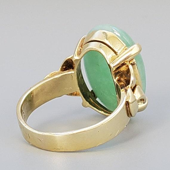 Cabochon Jade 14K Gold Vintage Solitaire Ring - N… - image 4