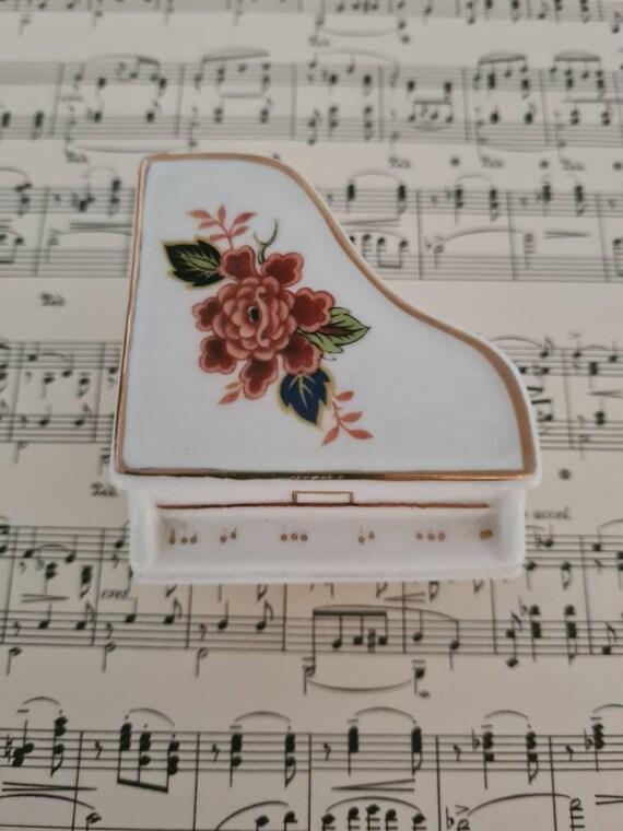Piano trinket box
