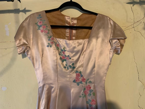 Stunning 1950s satin handprinted formal dress