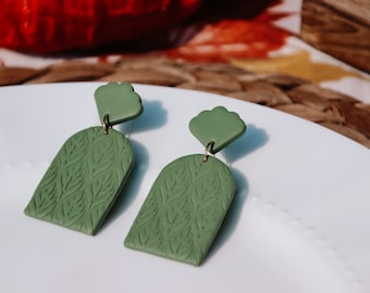 Green Leaf Texture Arch Dangle Earrings