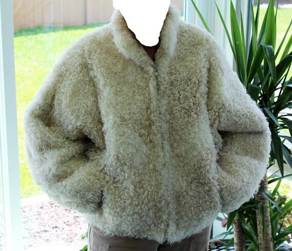 Curly lamb ladies jacket - cream color - medium si