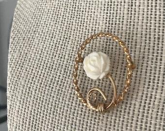 Winard vintage brooch 12K celluloid creamy rose 1950s elegant pin