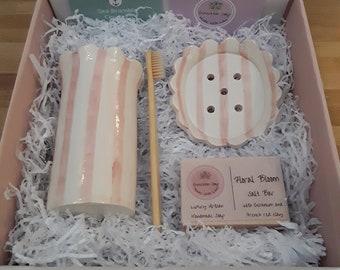 Daisy bathroom gift set. Limited edition
