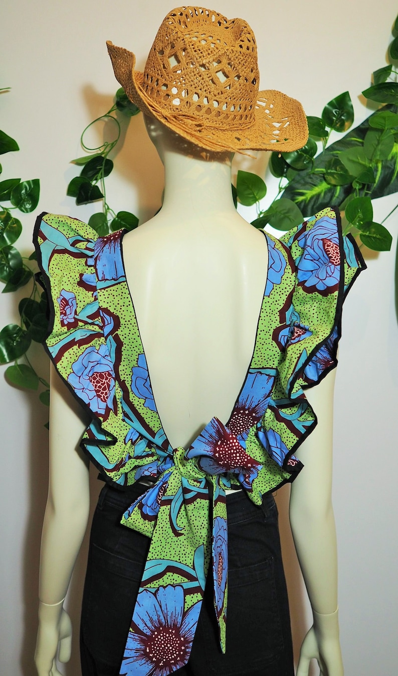 with ruffles and back to the air Ethnic top in wax