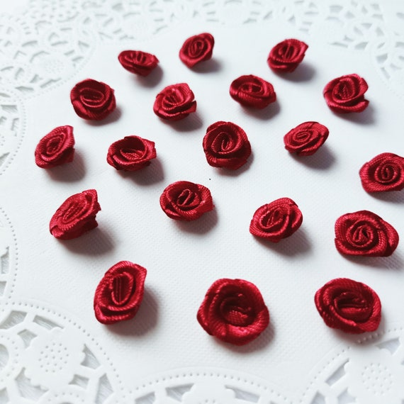 Favor Flower Satin Red Roses Small Red Roses Red Roses with Leaf 25-50pcs Tiny Craft Roses Mini Red Fabric Roses Wedding Rose Decor
