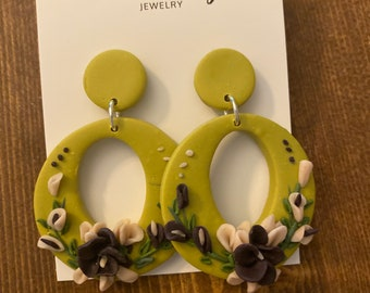 Floral green earrings