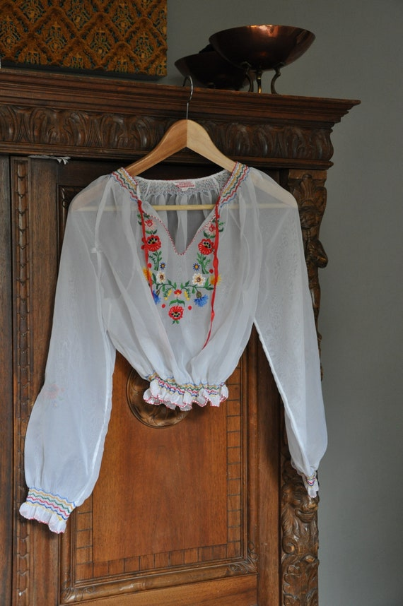 Vintage c.1950s hand embroidered Hungarian women's