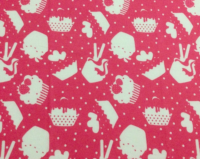 SALE - Cupcakes, Pink, White, Single Fat Quarter, 100% Cotton Fabric, Great for Quilting, Sewing & DIY Crafts