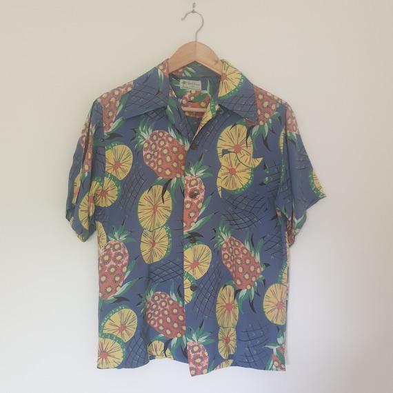 Vintage Malahini Short Sleeve Mens Hawaiian Shirt