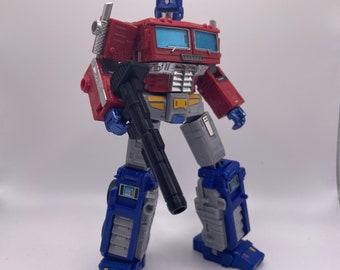 WFC Earthrise/Kingdom Optimus Prime Rifle