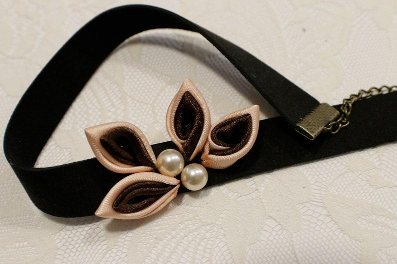 Chorina choker with handmade kanzashi satin leaves with synthetic pearls