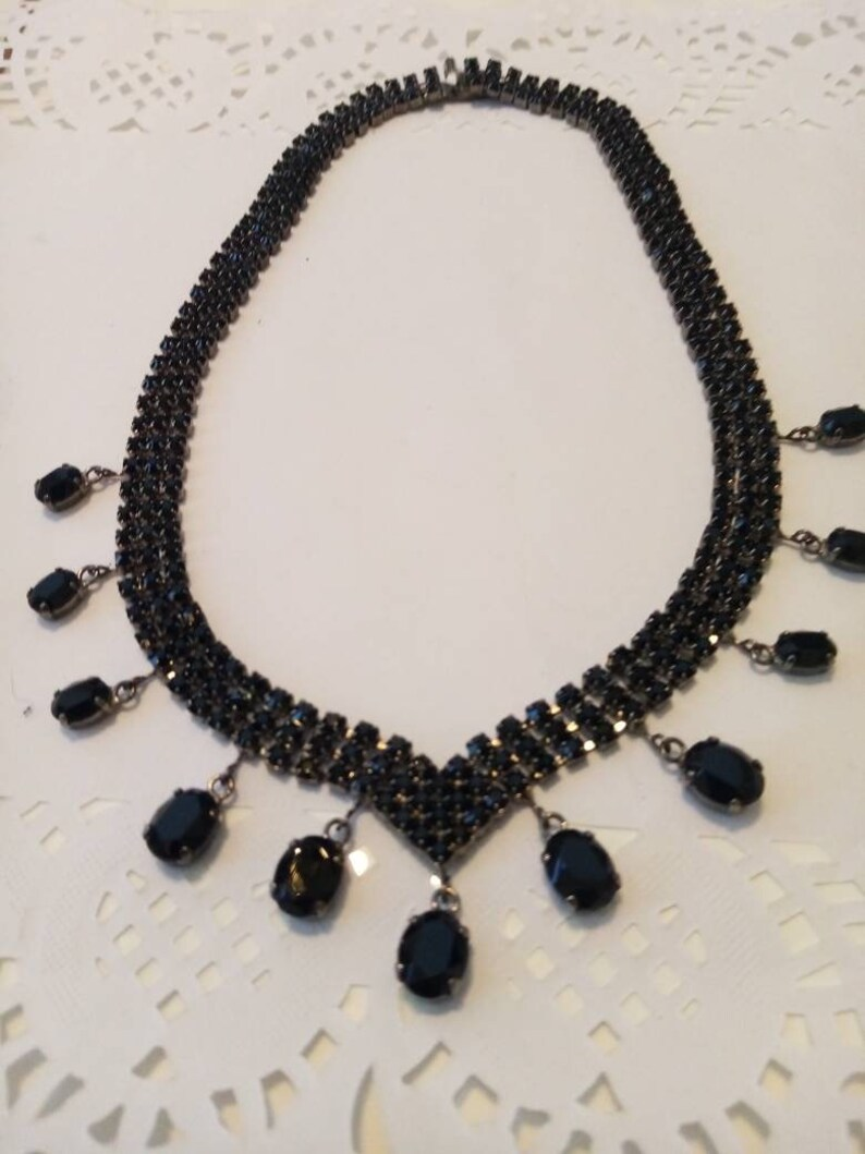 Vintage black rhinstone NECKLACE with MATCHING chandelier EARINGS .