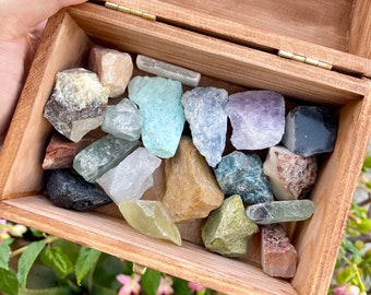 bulk mixed raw crystals    wholesale various assorted healing gemstones, beginner crystal set, kid-friendly, ethically sourced