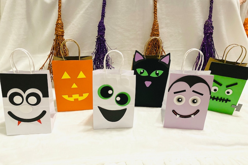 Halloween Treat Bags Pack of 6 Halloween Party Supplies image 0