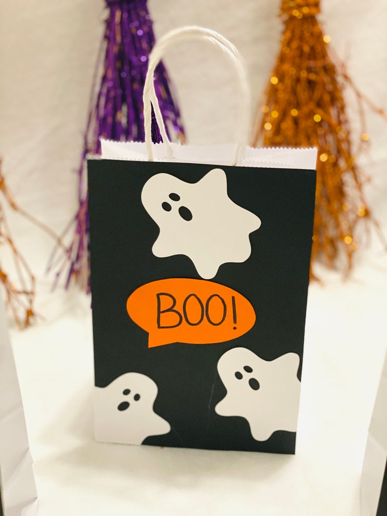 drive by Halloween Party candy Halloween treat bags Trick or treat bag social distancing Halloween bags Halloween gift bags